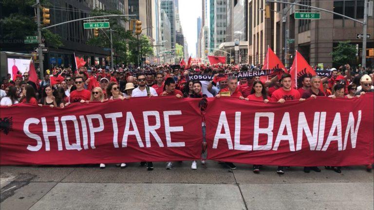 Parada Shqiptare 2019 i dedikohet – Çamërisë (Video)